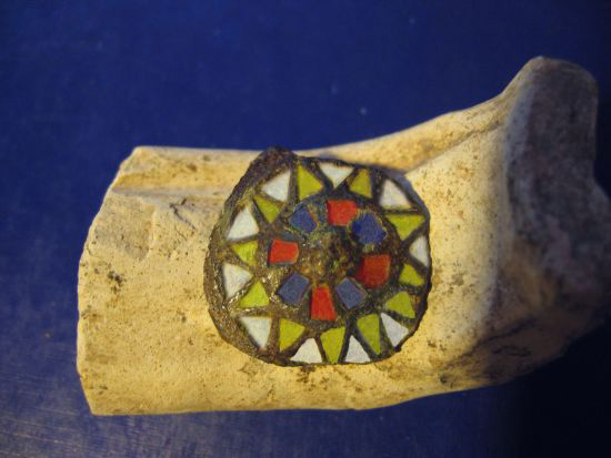 emaille disc brooch