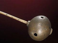 Romeinse mantelspeld met emaille inleg